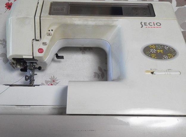 JANOMEミシン修理|SECIO8200|液晶が暗い|布を送らない